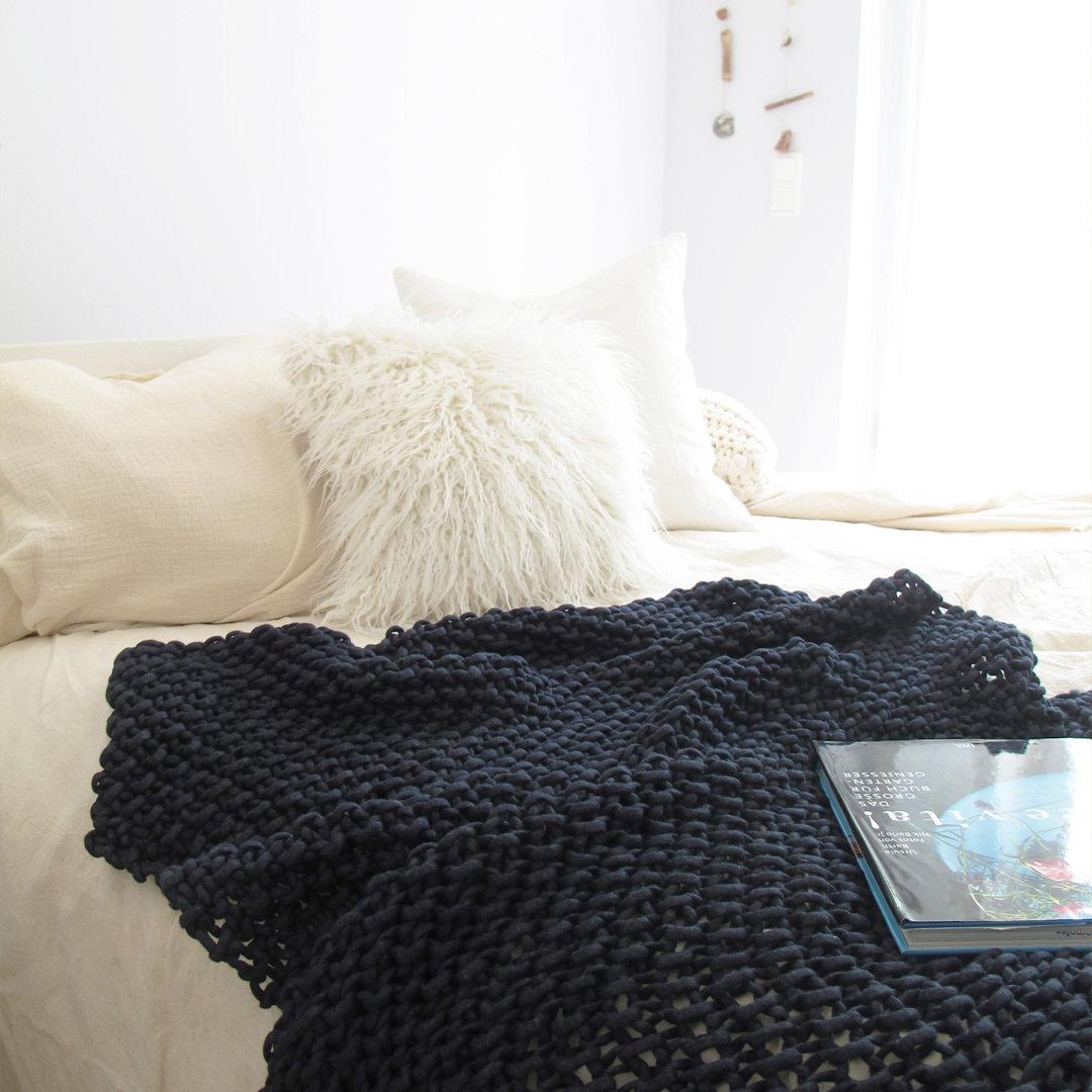 mesh 39 strick kit kuscheldecke sentimento. Black Bedroom Furniture Sets. Home Design Ideas